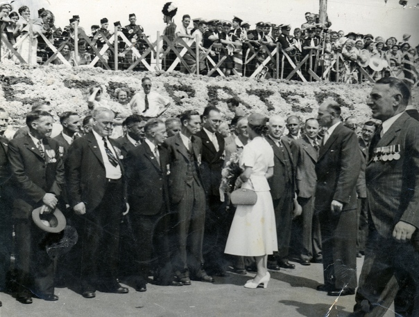 2000,921 Royal visit to Patea, 1954