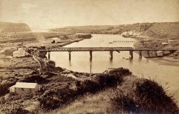 00-512 Patea bridge and Port from North, c1890