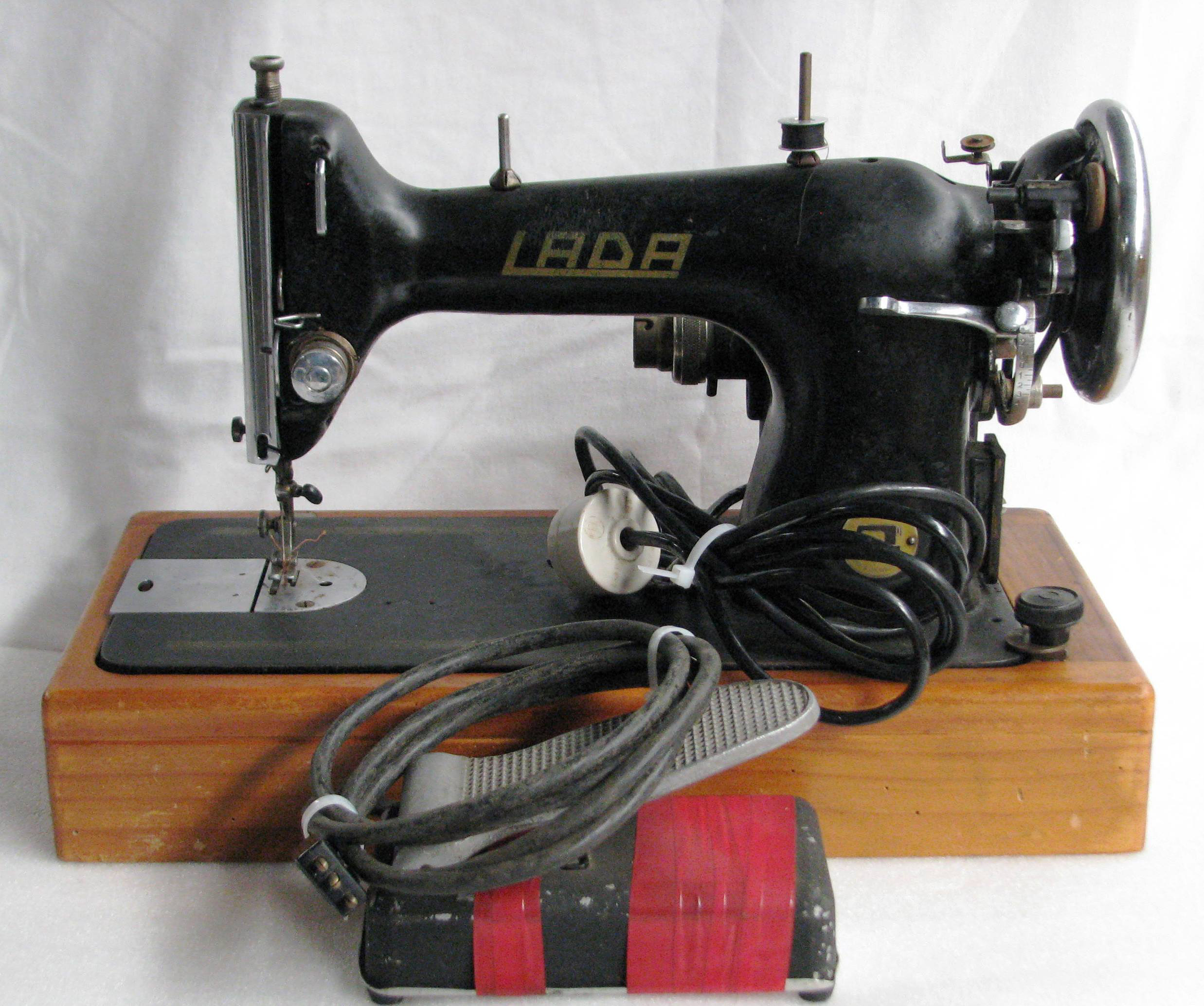 121 Needlelite sewing machine