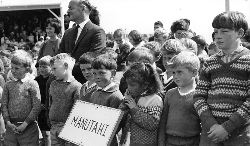 01-855-manutahi-school-pupils-copy