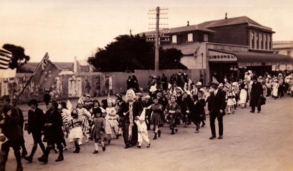 Gibson's, Patea Peace Parade, 1918